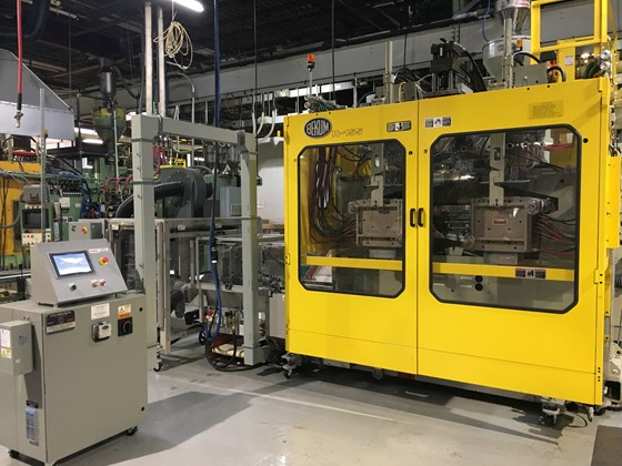 Lectro Engineering MTM 2001D takeaway under Bekum blow molder