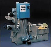 Miniature conveyor type spray washer