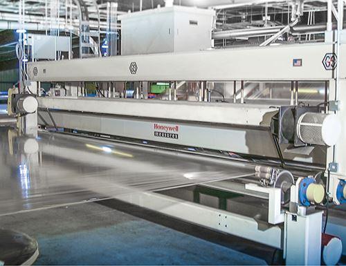 Líneas de productos APTRA y Evlon con medidores de espesor que se pueden ajustar sobre la marcha.