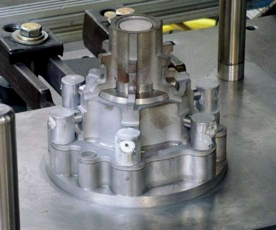 Manufacturing a hybrid differential carrier