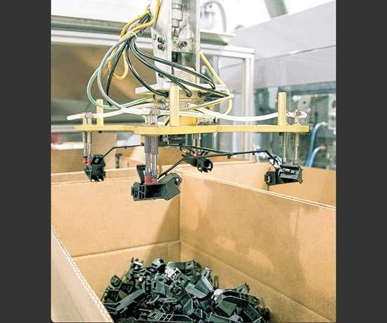 prism plastics servo robots