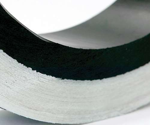 liner-laminate interface of composite pipe
