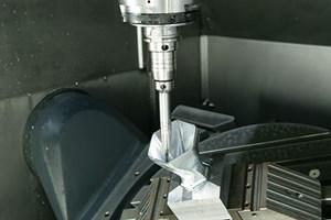 hydraulic toolholder