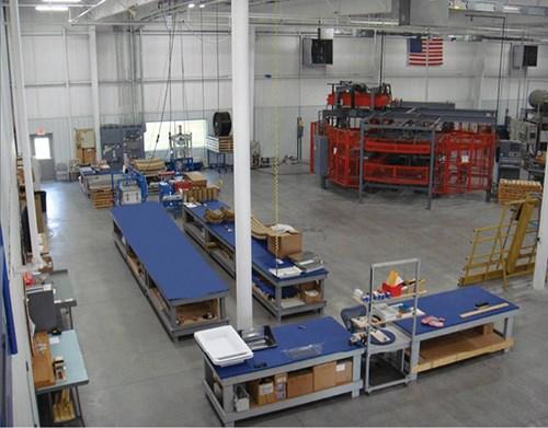 Las máquinas están organizadas en celdas de trabajo.