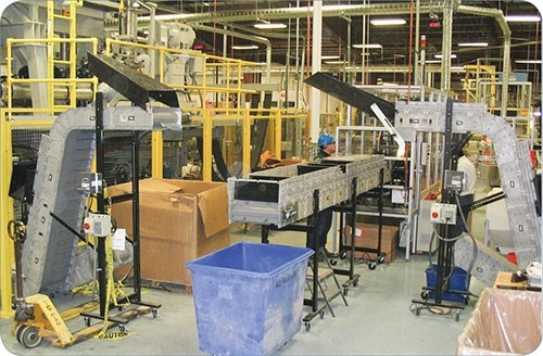 Modular conveyors for injection molding.