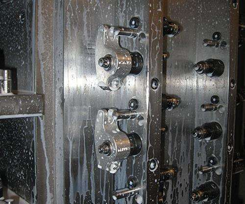 rocker arms gripped on a bore