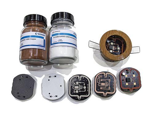 Los materiales y pasos para el proceso LPC para hacer un accesorio de iluminación LED.