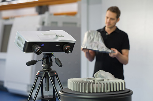 The COMET L3D 2 is designed for fast, precise, 3D data capture from an array of objects.