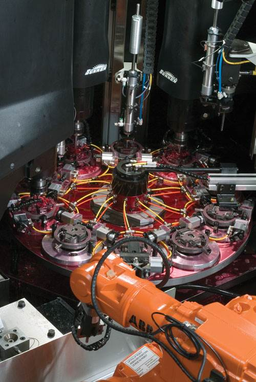 Robot loader on Sunnen multi-spindle