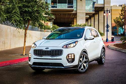 The exterior styling for the 2017 Kia Sportage was primarily done in the company's studio in Frankfurt, Germany. Consequently, it has more of a