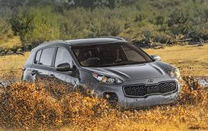 According to Orth Hedrick, Kia Motors America vice president of Product Planning, all-wheel-drive is an increasingly important offering for compact CUVs. Kia worked with Magna Powertrain  to develop the Dynamax AWD coupling that's used in the Sportage.