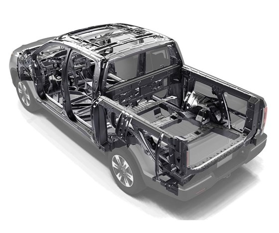 Through the extensive use of steel, as well as clever design, like the Advanced Compatible Engineering (ACE) body structure, the Ridgeline scores at the top in safety ratings.