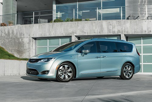 The Pacifica is available as a plug-in hybrid, which is capable of approximately 30 miles of pure-electric range. Note the charge-port door on the front quarter.