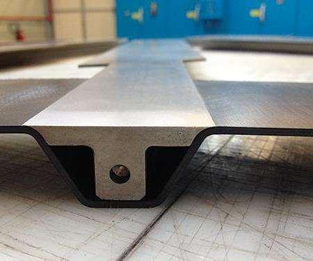 block fits inside the finished stringer