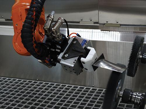 robot uses delcam powermill