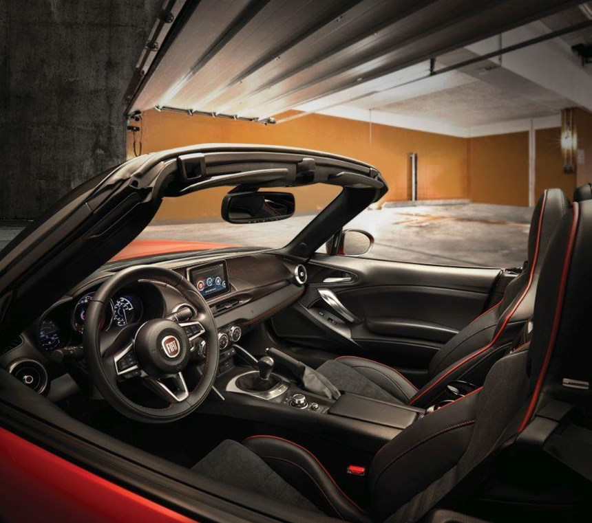 Although the interiors have the craftsmanship characteristic of the work done in an atelier, those craftspeople have to know more than a little something about technology, as can be discerned from that seven-inch touchscreen display that offers the touch- and voice-activated FIAT Connect 7.0 system for infotainment.