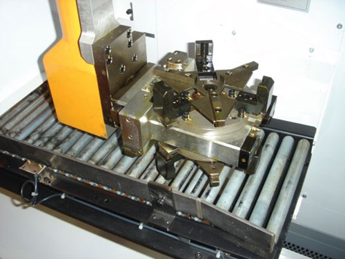 Twin-spindle lathes