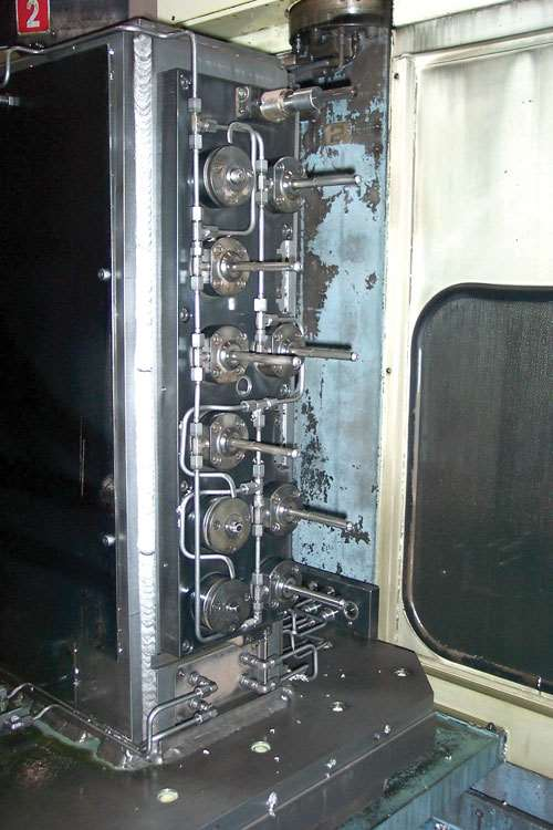 Large cylinder heads