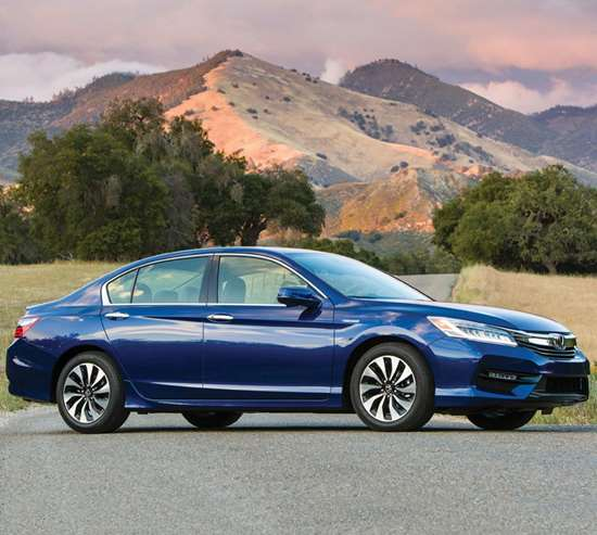 From a design perspective, the 2017 Honda Accord Hybrid is pretty much like the non-hybrid versions of the sedan. The aluminum hood has a different shape. There are blue accents on the front grille, the headlights and taillights. Speaking of lights: there are LED daytime running lights, taillights and fog lights for all trims and LED headlights for the Touring trim. There are unique 17-inch aluminum alloy wheels.