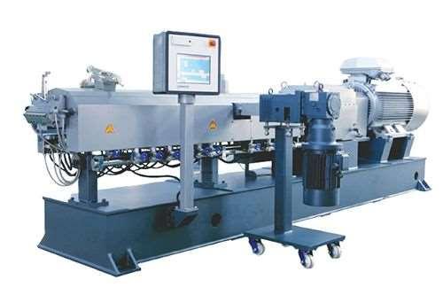 Coperion twin-screw compounding extruder at FD Plastics