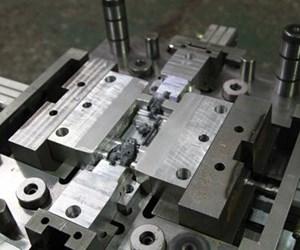 slide core lazarus mold