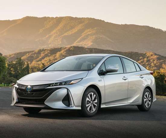 The Prius Prime is based on the same TNGA—that's Toyota Next Generation Architecture—as the 2016 Prius Liftback. But to accommodate the larger battery required because this is a plug-in hybrid, capable of up to 25 miles on electricity alone, it is 4.2-inches longer than the Liftback.