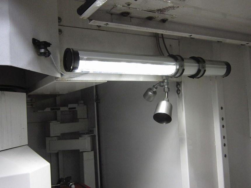 Debido al uso de aceite puro como refrigerante, la máquina S41 tiene un sistema integral de supresión de fuego.