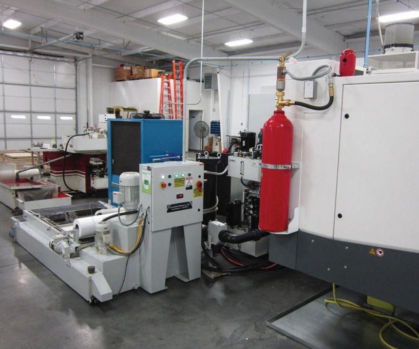 La S41 también ofrece un enfriador para mantener consistente la temperatura del refrigerante, un sistema de filtración del refrigerante y un sistema de filtración de niebla para recolectar la niebla de aceite y así mantener las instalaciones seguras y limpias.