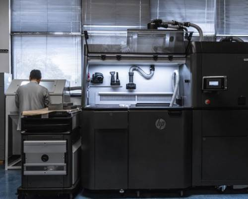How to Implement Additive Manufacturing Across a Global Company