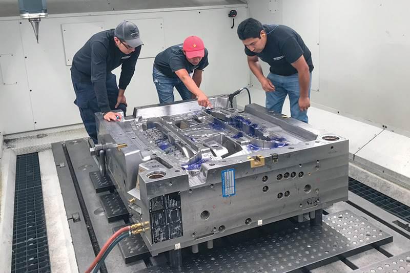 Maquinaria para procesamiento de plástico