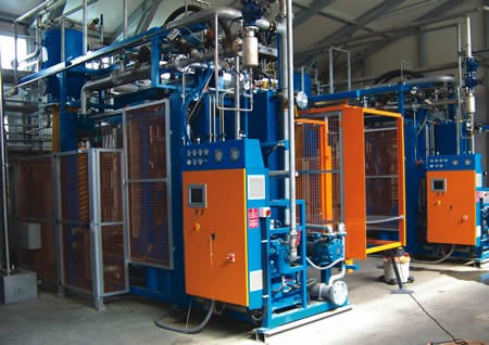 """""""Kit-in-a-box"""" molding plants"""