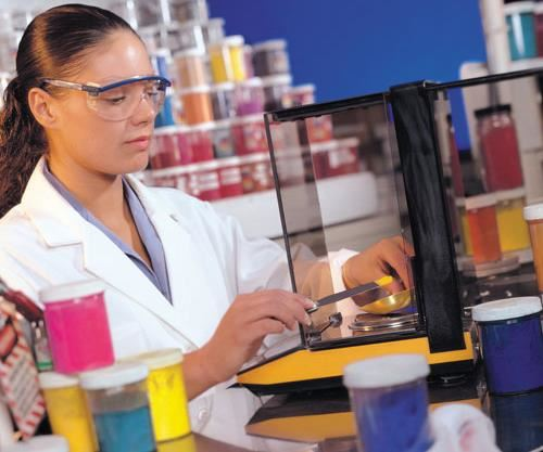 Designing a color formulation