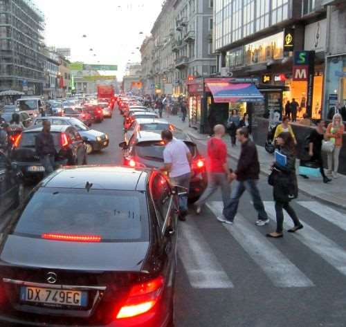 crowded streets of Milan