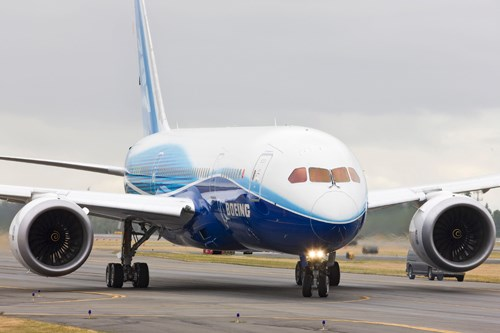 Boeing 787 Dreamliner taxi