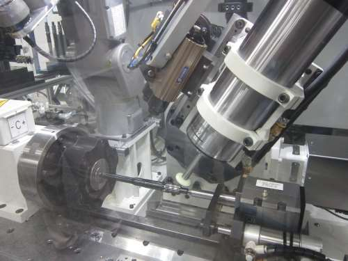 Drake's GS:G2 four-axis profile gear grinder