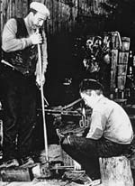 1922 glass blowing