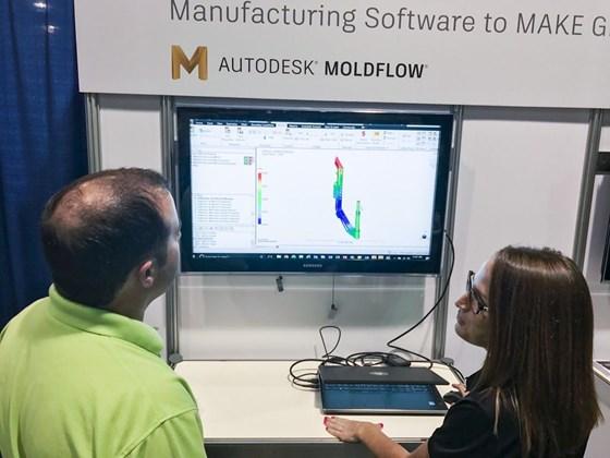 Moldflow plastic injection molding simulation