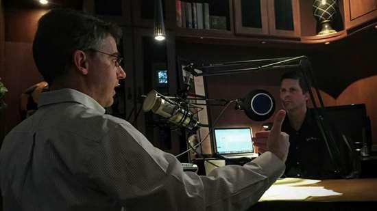Editor Pete Zelinski in the Making Chips studio