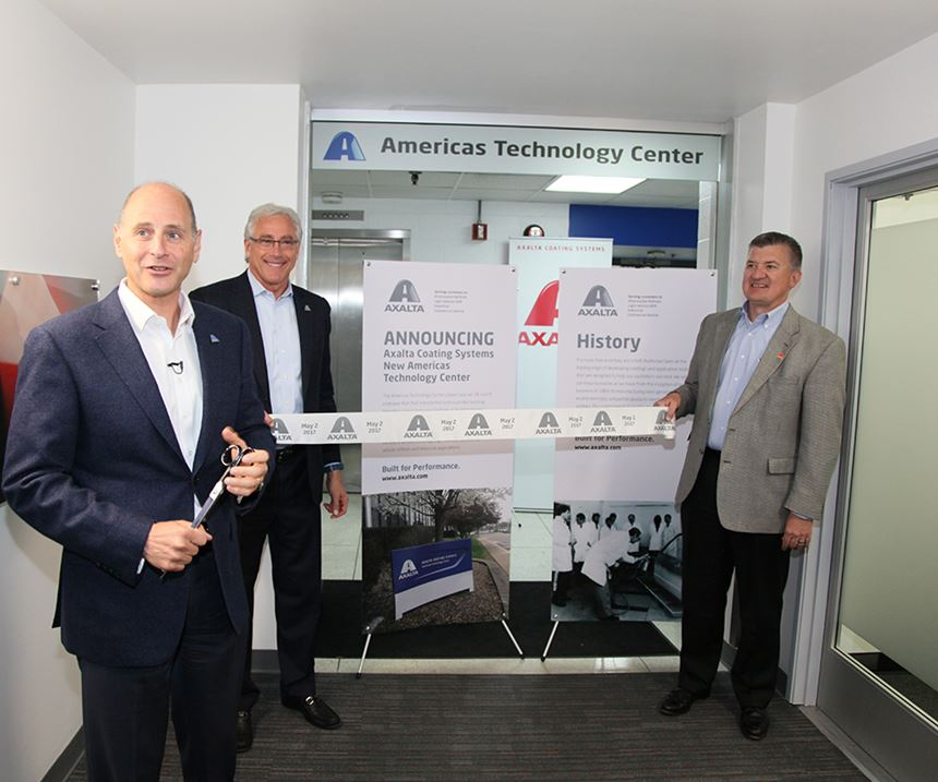 Axalta leadership celebrates grand opening of the Americas Technology Center with ribbon-cutting event.