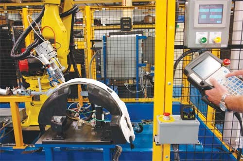 Robotic sonic welding cell at FPM Tooling and Automation