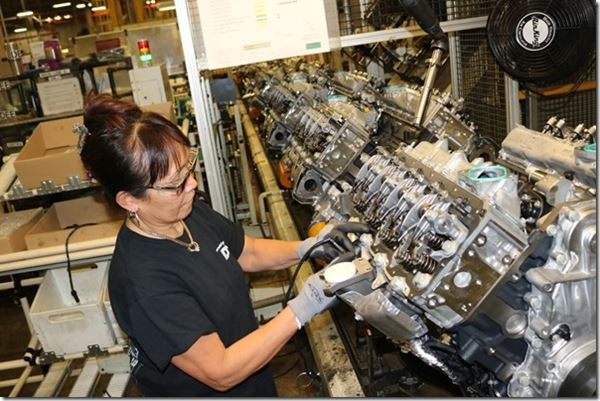 GM Is Down with Diesels image
