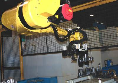 Fanuc M710iBT Toploader robot