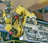 Fanuc's Toploader six-axis robot
