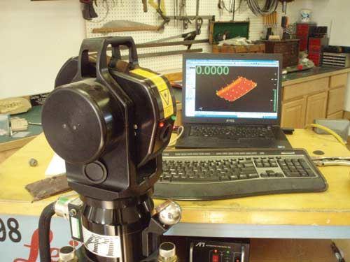 Laser tracker measures grid points