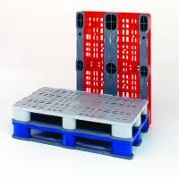 IPS Belgium molds the decks of these plastic pool pallets