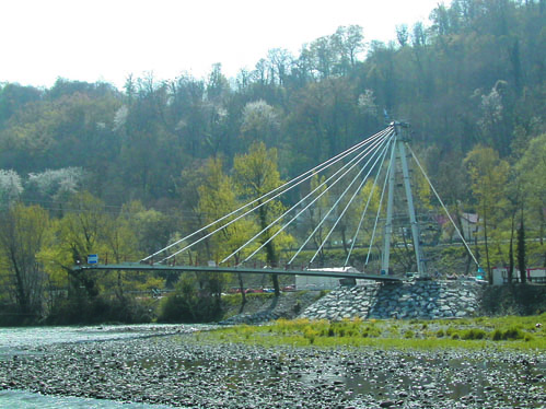 Laroin Bridge.jpg