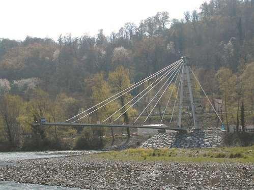 Laroin Bridge.jpg