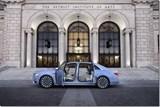 Lincoln Continental Brings Back Design Cue