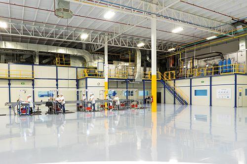 El nuevo sistema, ubicado en una expansión de la planta de 2,787 metros cuadrados, fue diseñado para operar específicamente en las condiciones desérticas de Chihuahua.