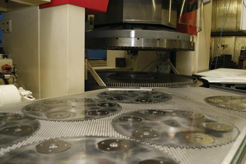 Fine-grinding machine